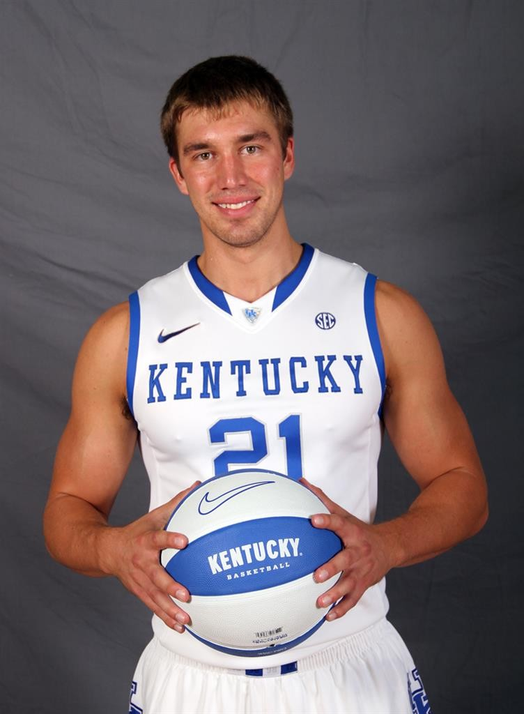 Thirsty Thursday: The Undefeated Hotties Of The UK Wildcats | Wildcats