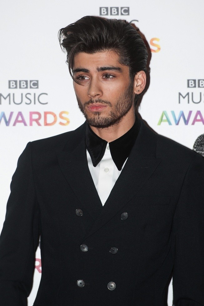 Zayn Malik Breaks Silence, CONFIRMS Solo Career: