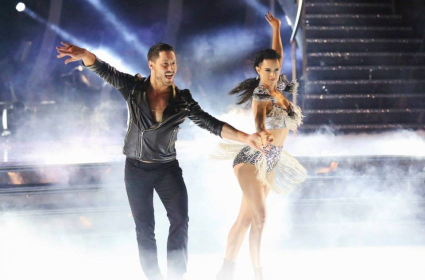 Dancing With The Stars Latin Night Recap: Another Couple BURNED By Elimination | Dancing With The Stars