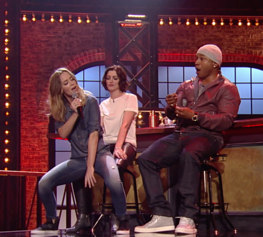 Anne Hathaway Vs Emily Blunt: Check Out Their FULL 'Lip Sync Battle' HERE!! | Anne Hathaway
