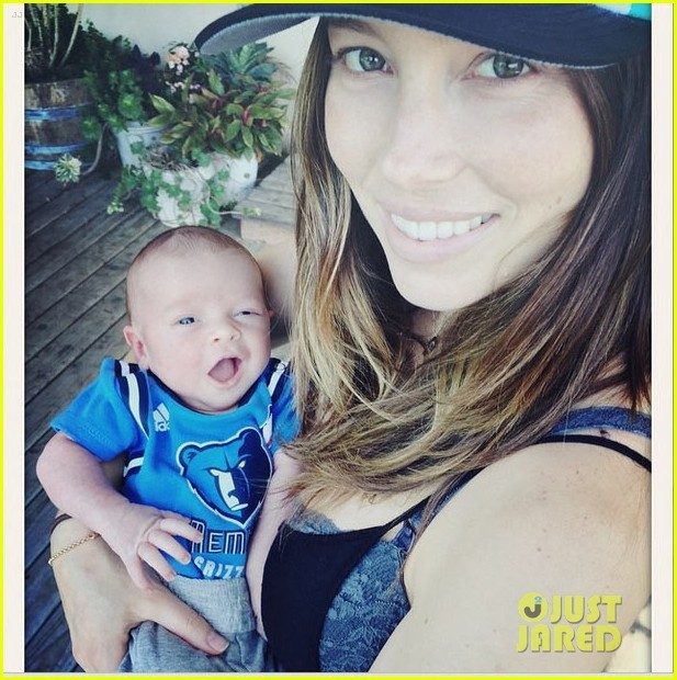 Justin Timberlake And Jessica Biel Show Off Baby Silas! | Justin Timberlake
