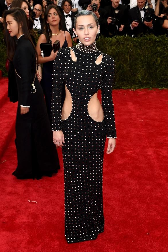 Met Gala 2015: Chrissy Breaks Down The Fashion Dos And Donts | Met Gala 2015