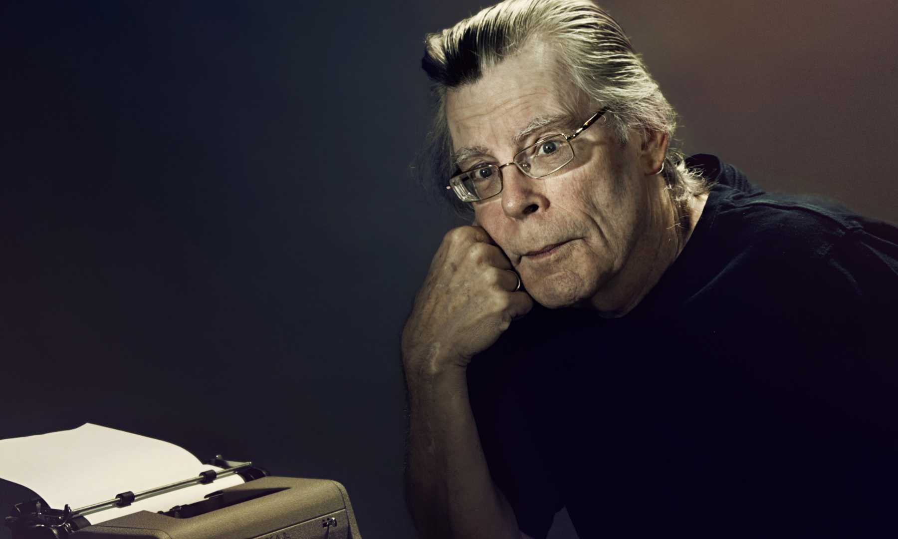 Stephen King Fumes About Gun Control On Twitter | Stephen King