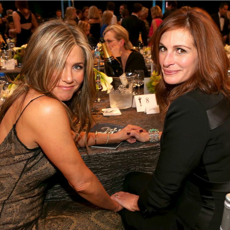 Jennifer Aniston & Julia Roberts To Star In Mother's Day Film | Jennifer Aniston