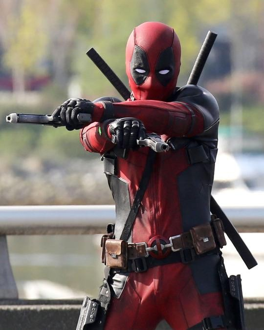 Deadpool Hitch-Hikes His Way To Comic-Con | Deadpool