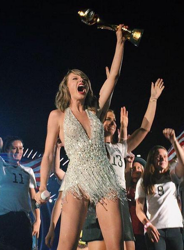 USWNT And The Weeknd Join Taylor Swift Onstage At MetLife | Taylor Swift