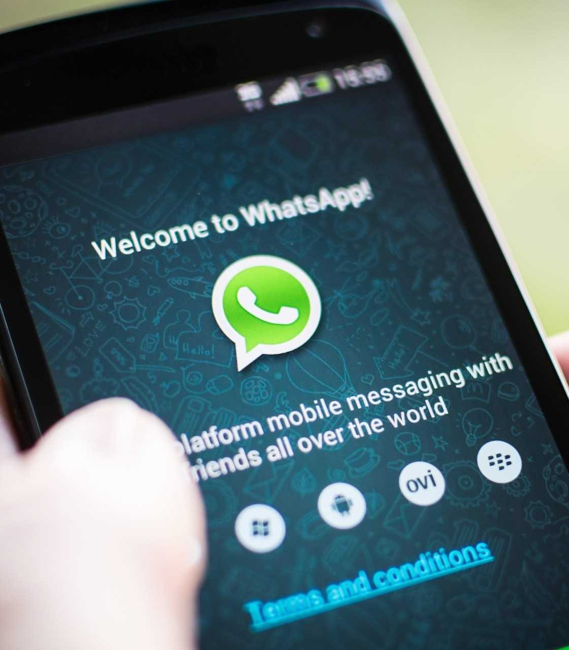 WhatsApp, Snapchat, And More May Soon Be Banned In The UK | WhatsApp