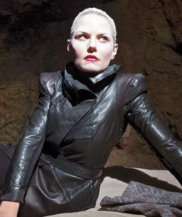 New Images Give First Look At Once Upon A Time's Dark Swan | dark swan