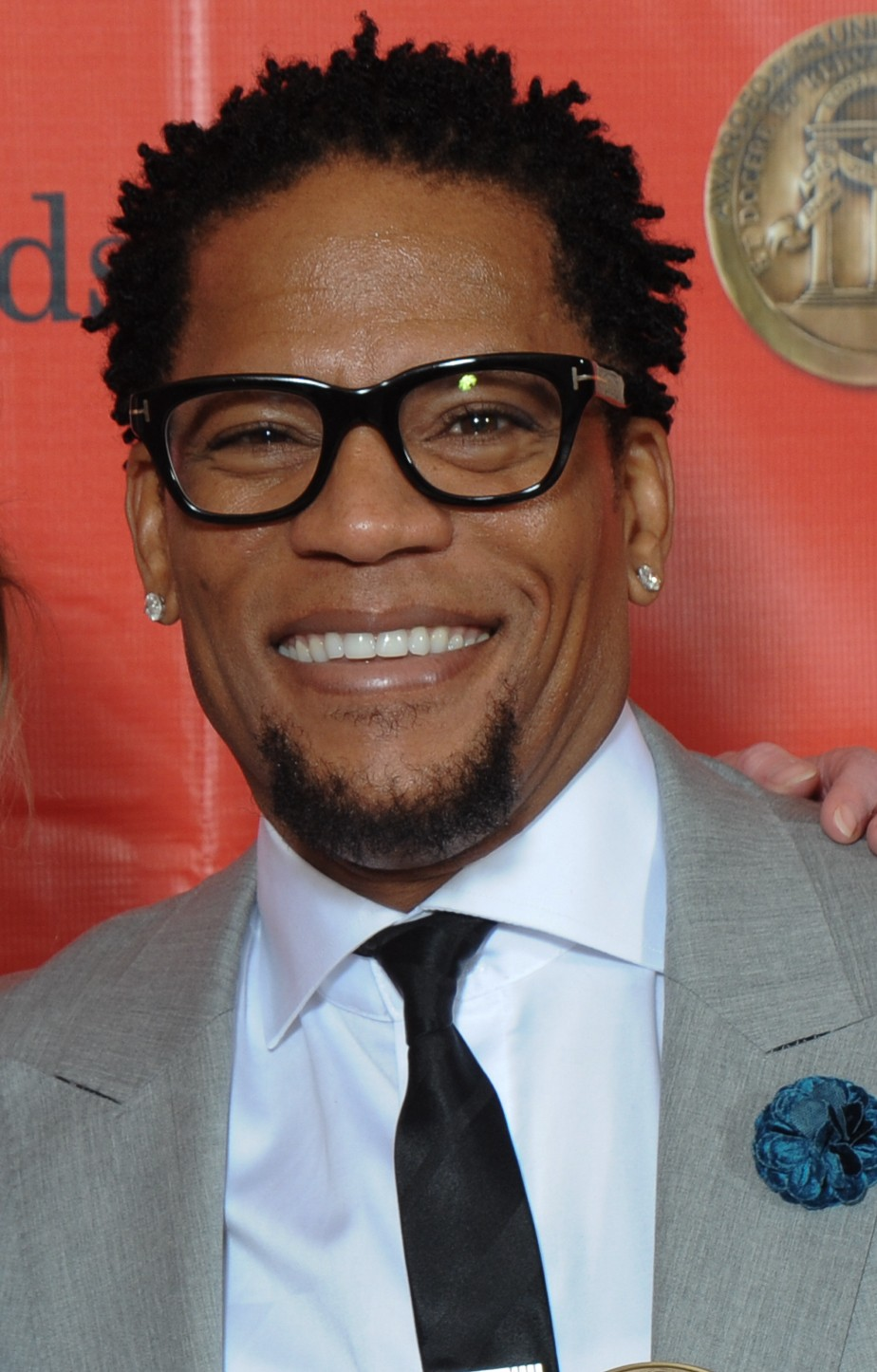 D.L. Hughley On Caitlyn Jenner: 'Looks Like Mrs. Doubtfire' And 'P.E.Teacher' | D.L. Hughley