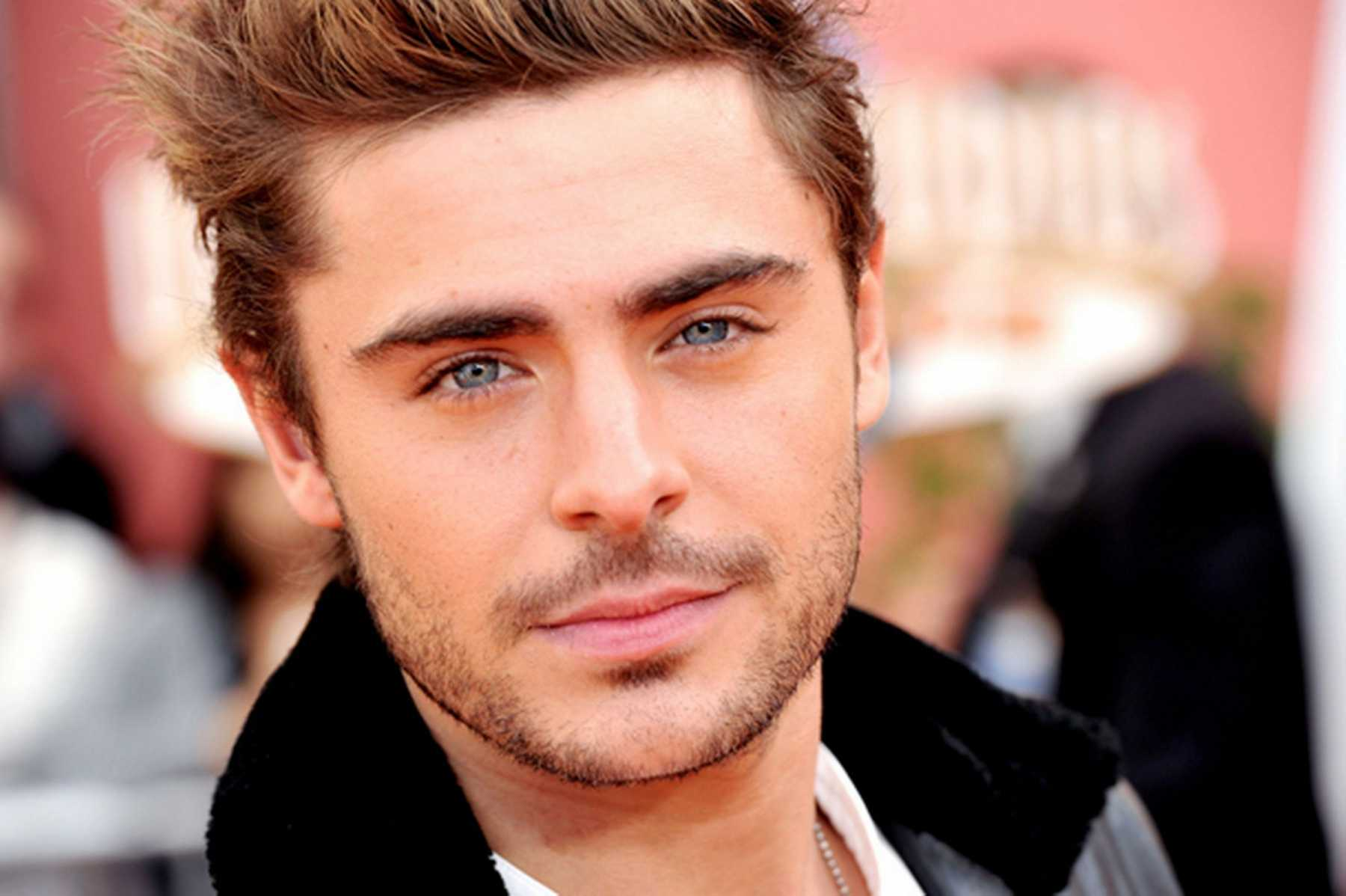 Zac Efron Gets His Groove On In New 'We Are Your Friends' Trailer | Zac Efron