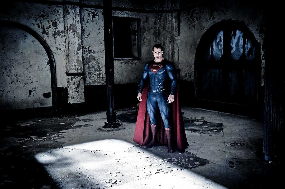 New Batman V Superman: Dawn Of Justice Photos Paint A Dark Picture | Superman
