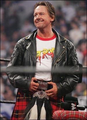 BREAKING: Roddy Piper, Wrestling Legend, Dies At Age 61 | Roddy Piper