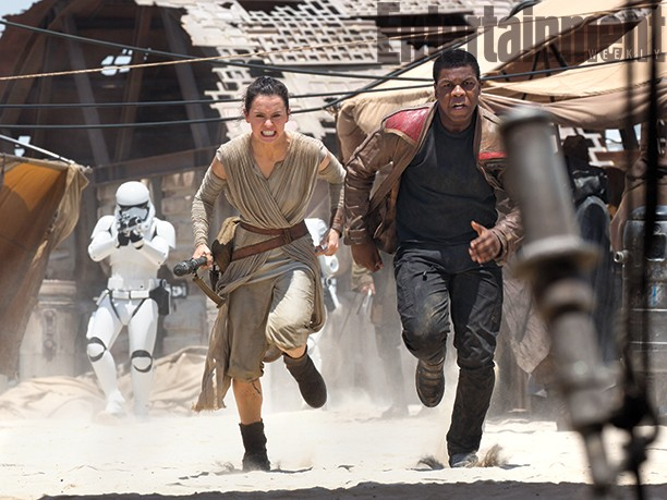 Entertainment Weekly Releases 12 Photos From 'Star Wars: The Force Awakens' | force awakens