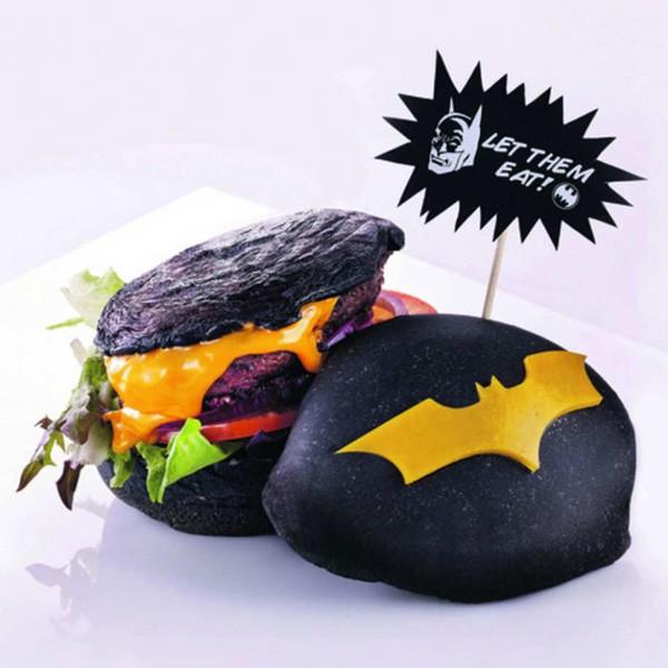 DC Comics Super Hero Cafe Now Selling Batman Burger | Batman burger