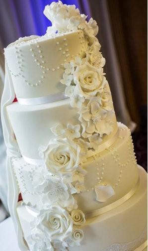 This Couple's Wedding Cake Has A Superhero Secret | wedding cake