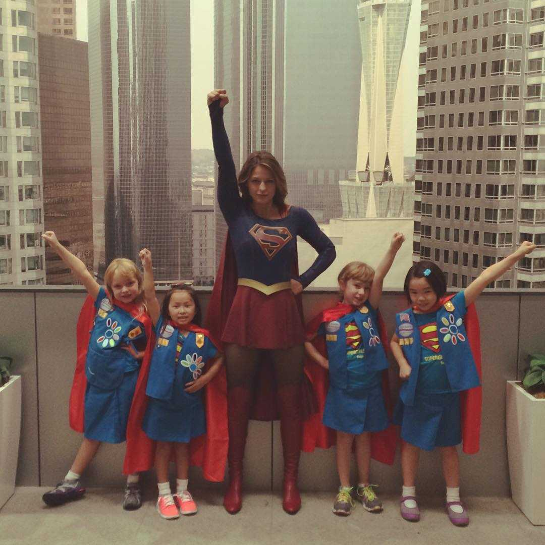 Supergirl Melissa Benoist Welcomes Super Girl Scouts | girl scouts
