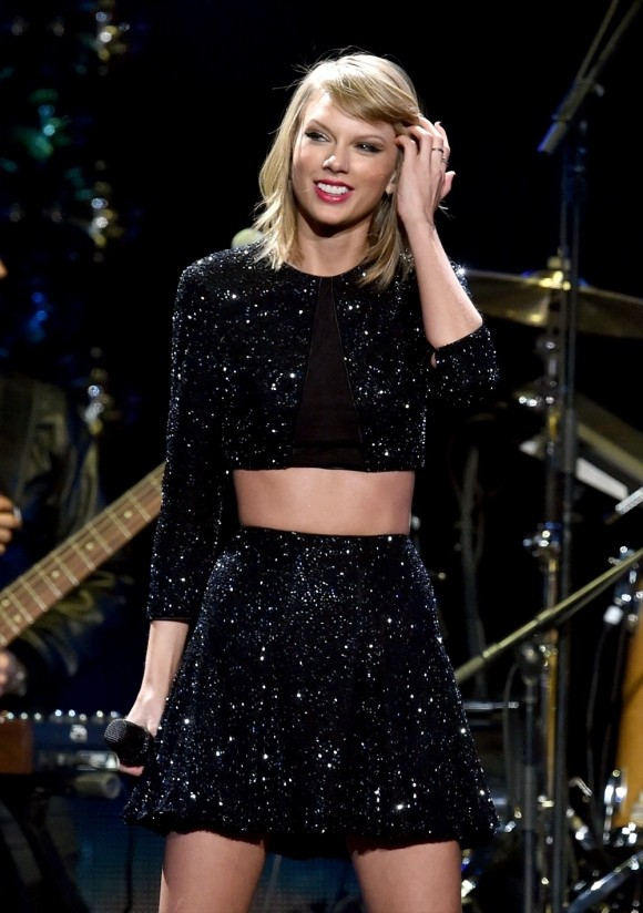 Taylor Swift Has A Trio Of Empowering Women Join Her On Stage During LA Concert | Taylor Swift