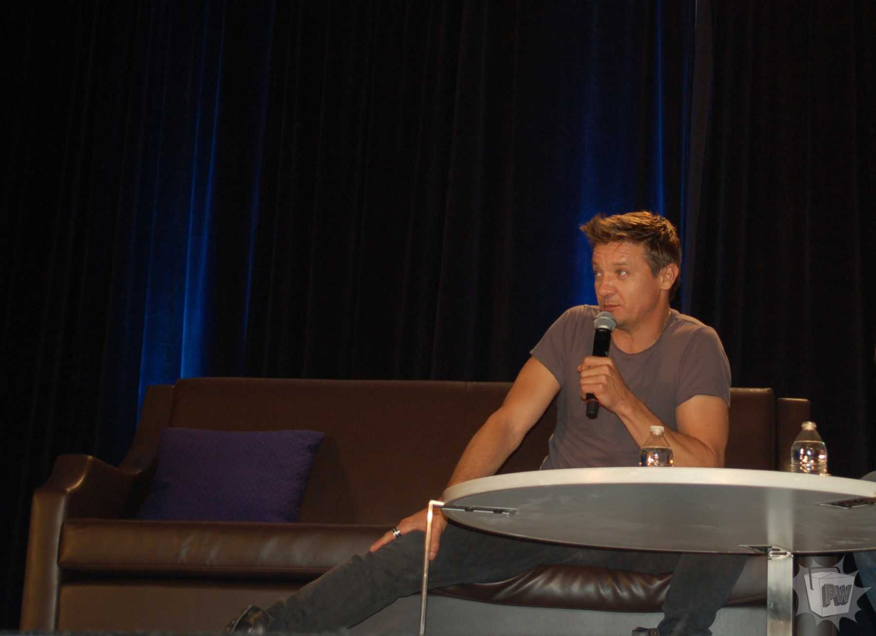 Jeremy Renner Hosts Panel At Wizard World Chicago | Jeremy Renner