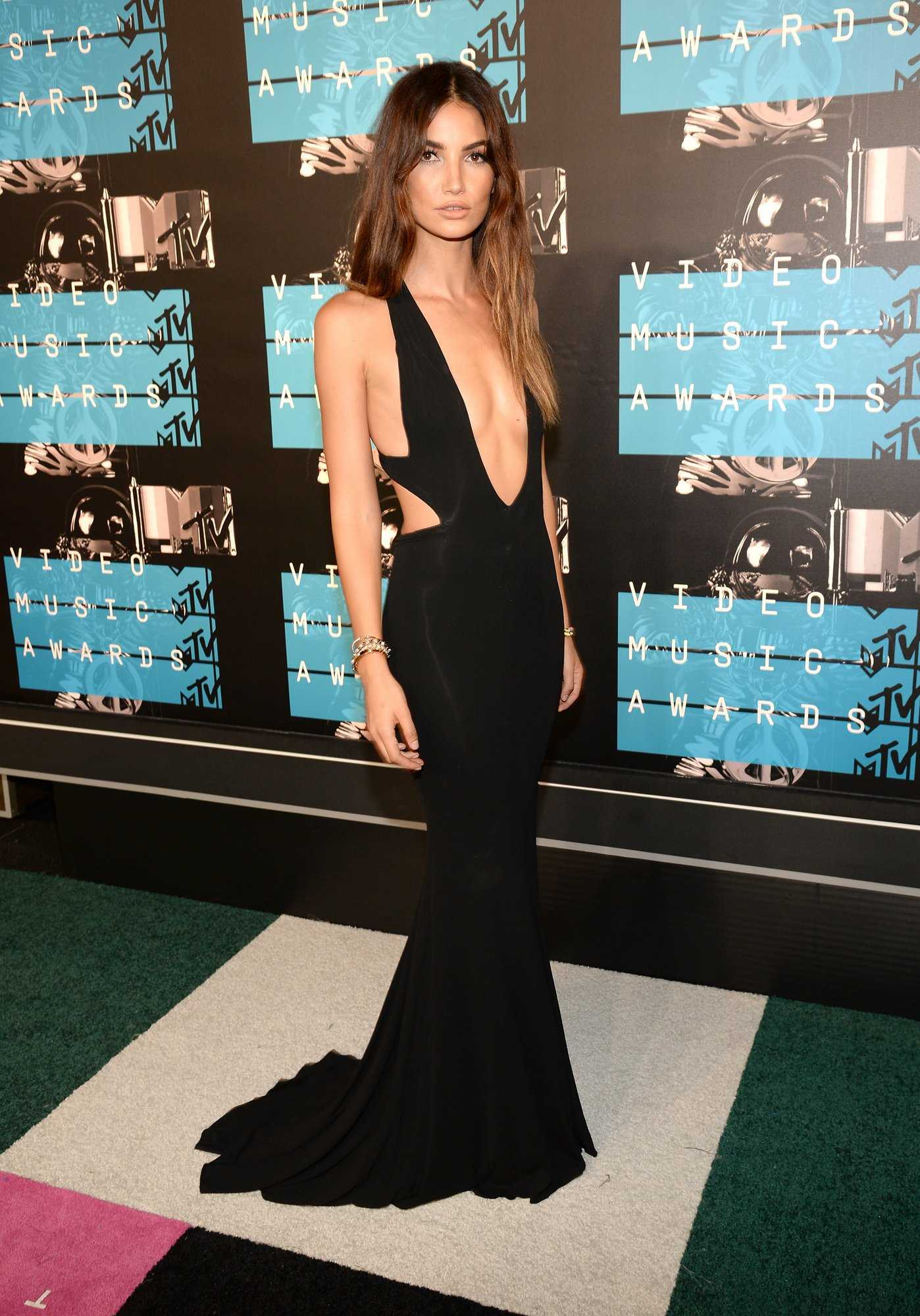 Chrissy Picks Her Favorite Looks From The VMAs | VMAs
