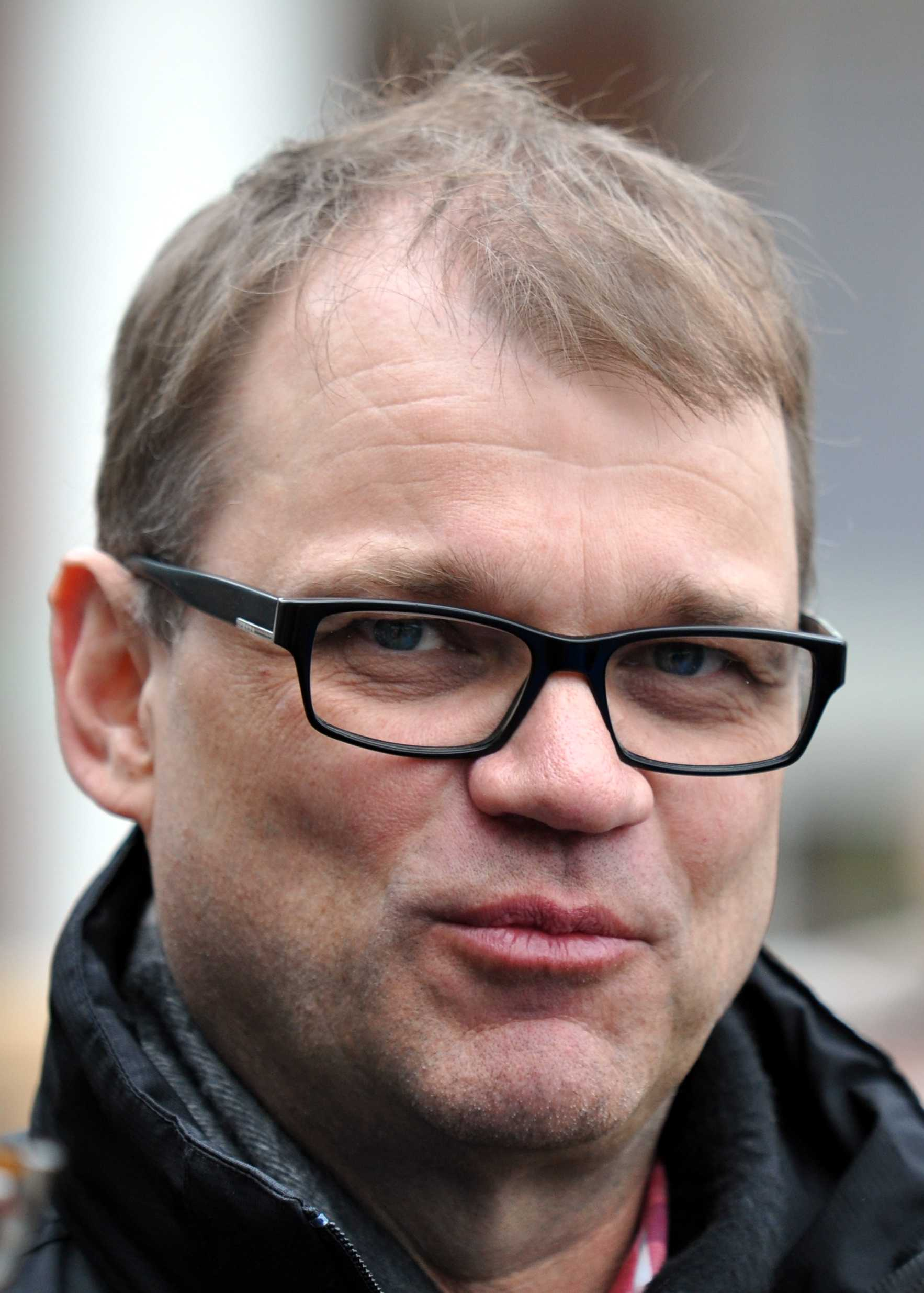 Finnish PM Offers Private Home To Refugees | Finnish