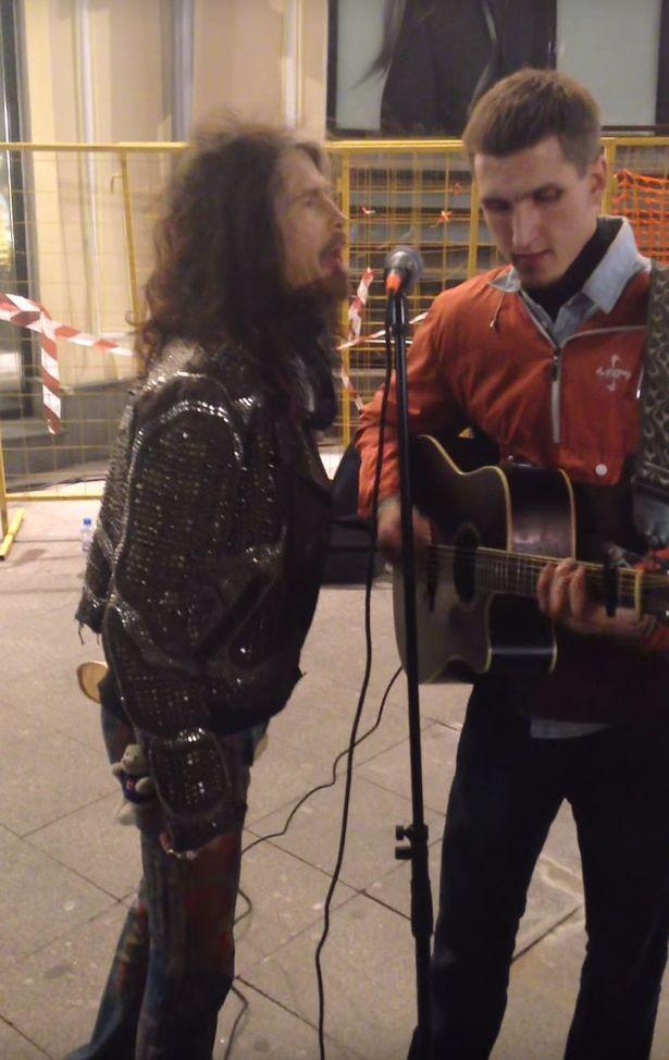 Aerosmith's Steven Tyler Surprises Street Musician In Moscow | Steven Tyler