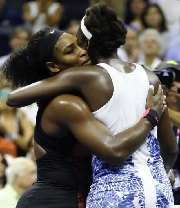 Venus & Serena Williams Face Off In US Open Quarterfinal | Williams