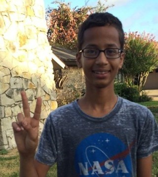 Internet Unites To Support Ahmed Mohamed | Ahmed