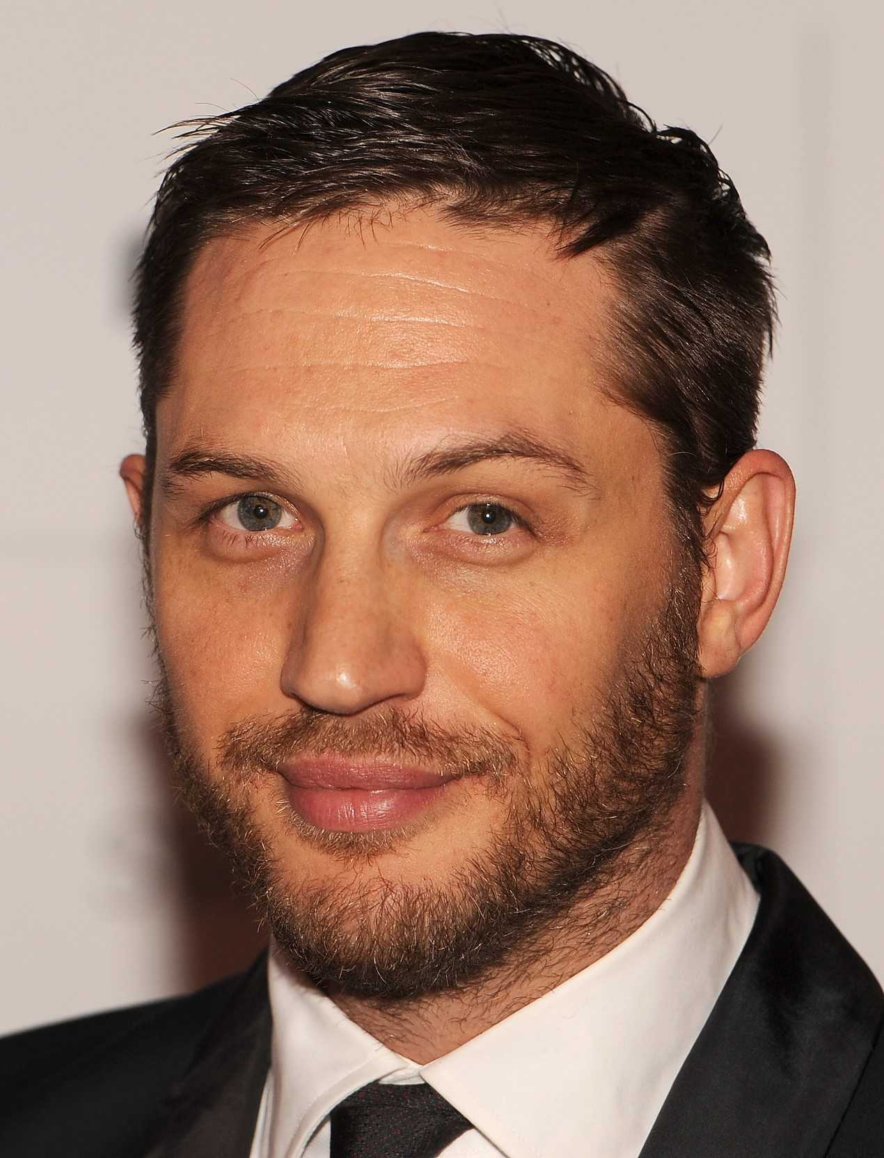 Tom Hardy Explains Why Reporter's 'Sexuality' Question Annoyed Him | Tom Hardy