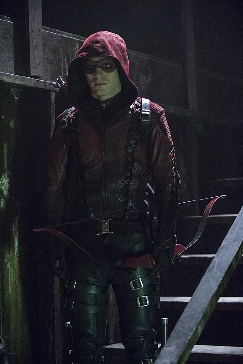 Colton Haynes Hints At His Return To 'Arrow' | Arrow