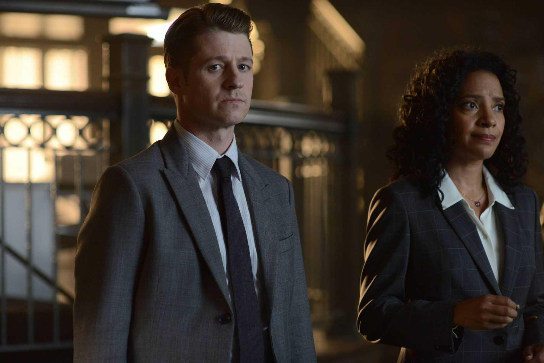 Gotham: 02x02, Rise Of The Villians: Knock, Knock | knock knock