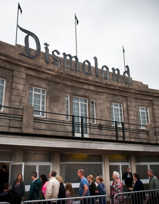 Timber From Banksy's Dismaland To Build Refugee Shelters | Dismaland