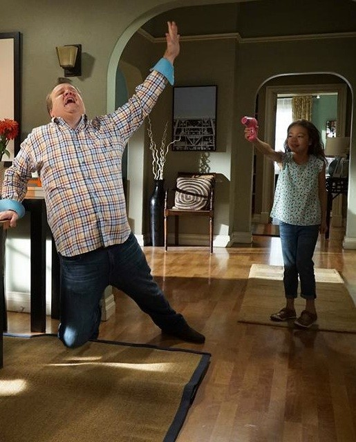 Modern Family: 07x02, The Day Alex Leaves For College | Modern Family
