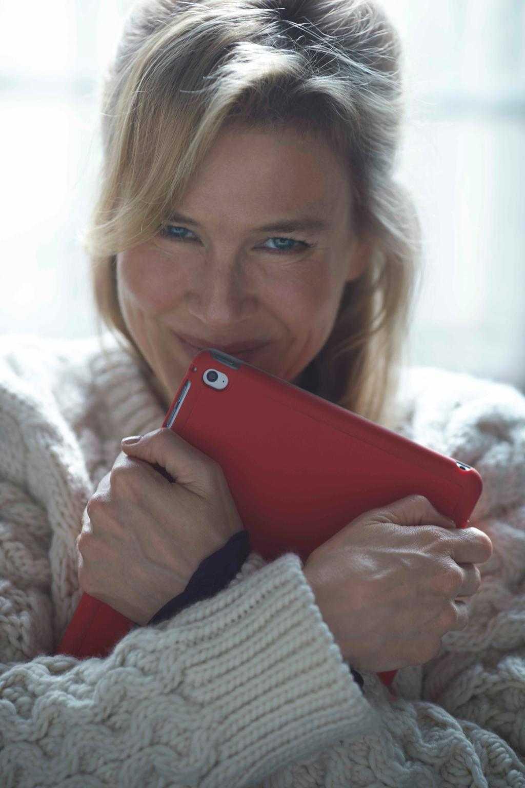 First Image Appears of Renee Zellweger Bringing 'Bridget Jones' Back! | Bridget Jones