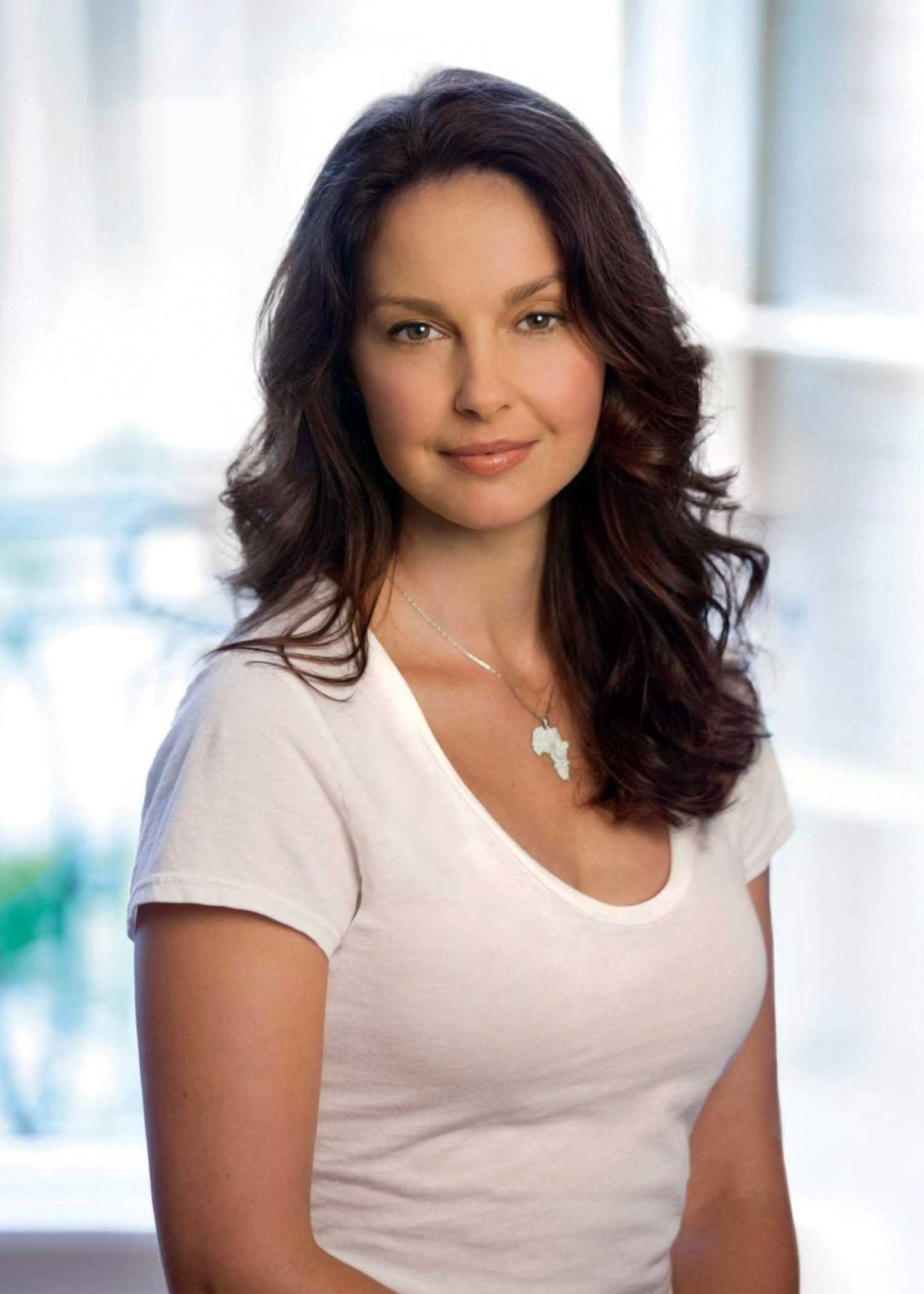 Ashley Judd Was Sexually Harassed By Film Executive | Ashley Judd