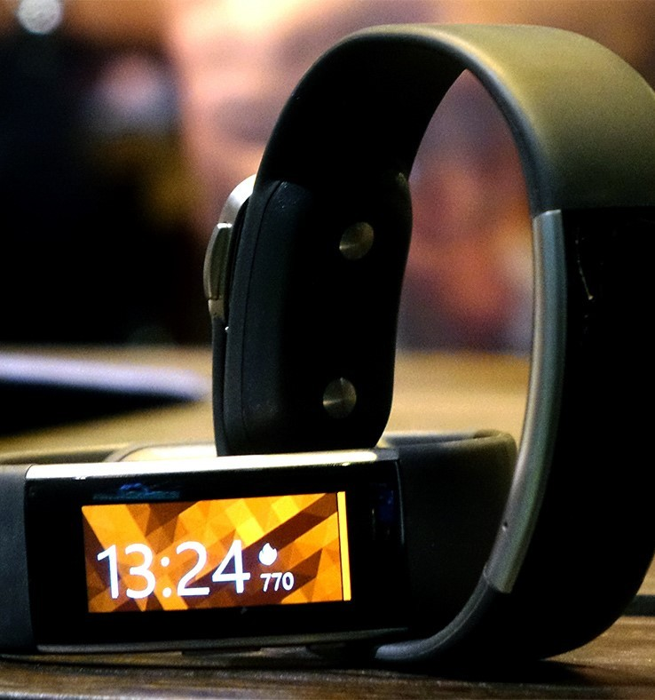 Microsoft Band 2 Released, Sports A New Design | Microsoft Band 2