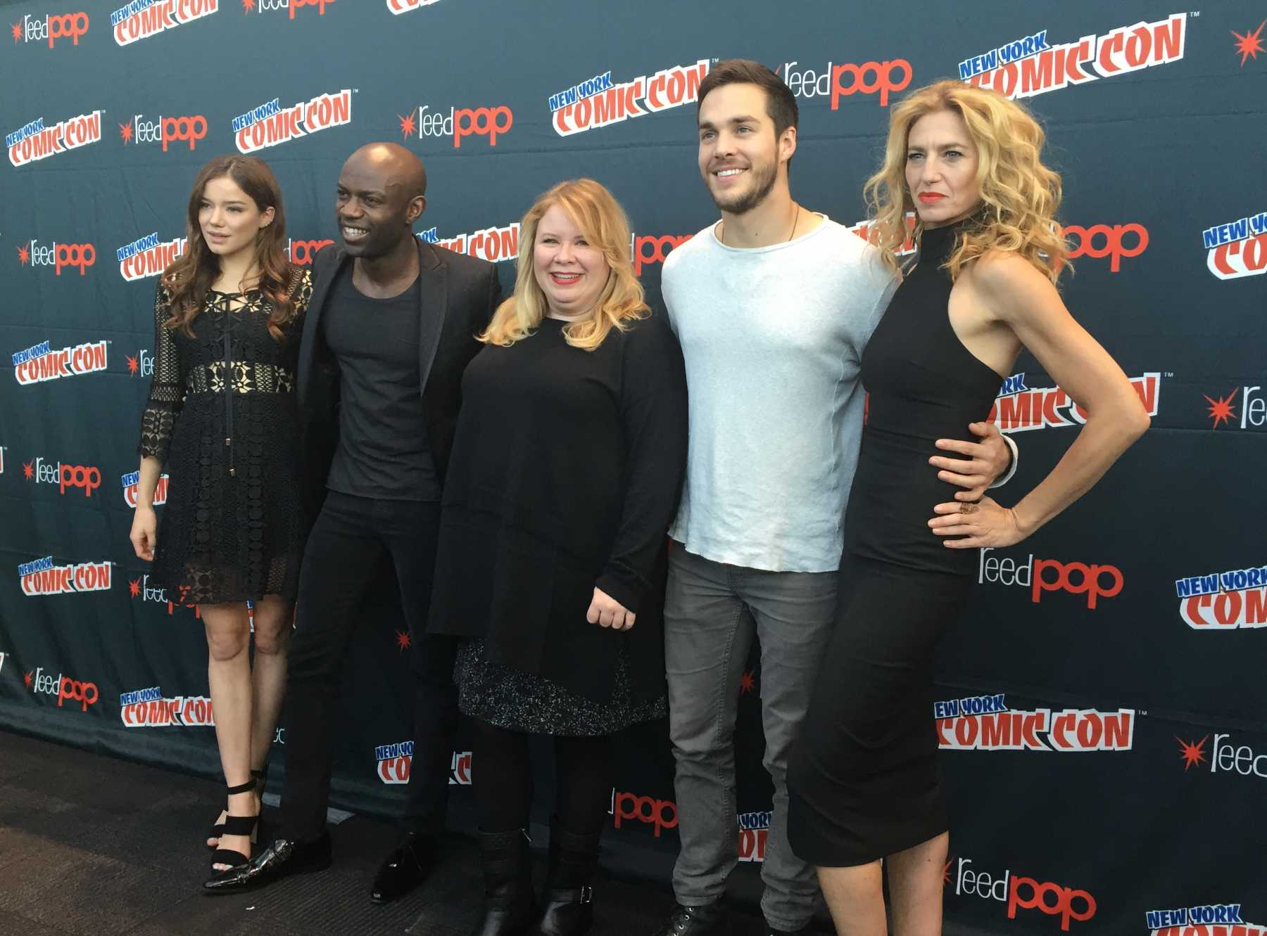 The Cast Of CW's 'Containment' Tease Their Premiere Season At NYCC | Containment