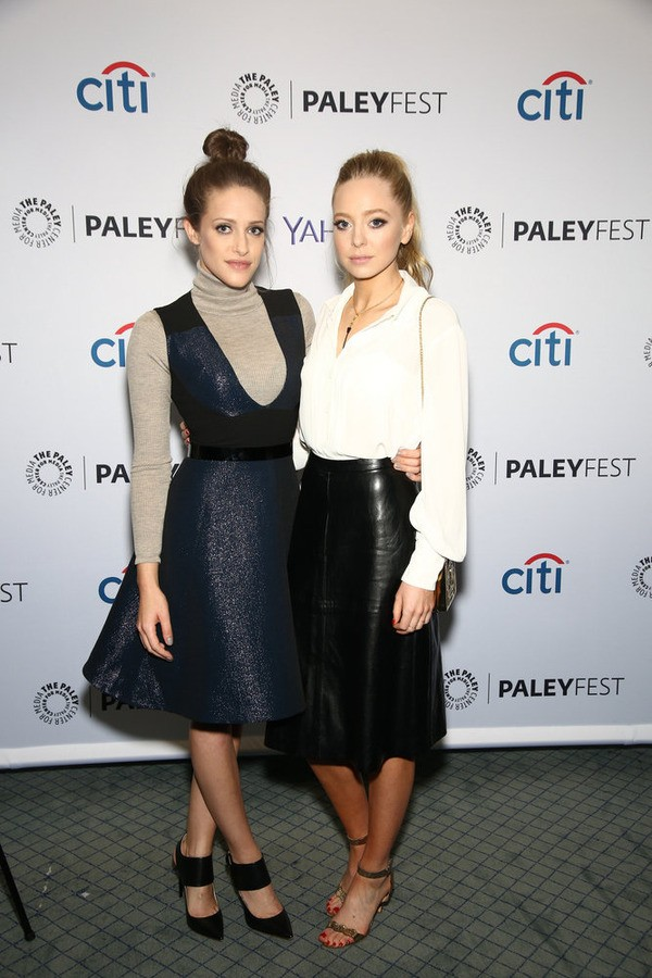 Mr. Robot's Portia Doubleday & Carly Chaikin Have New Opinions On Hacking | Hacking