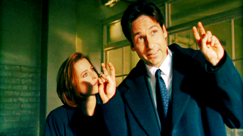 Chris Carter, David Duchovny, And Mitch Pileggi Open The X-Files At NYCC | x-files