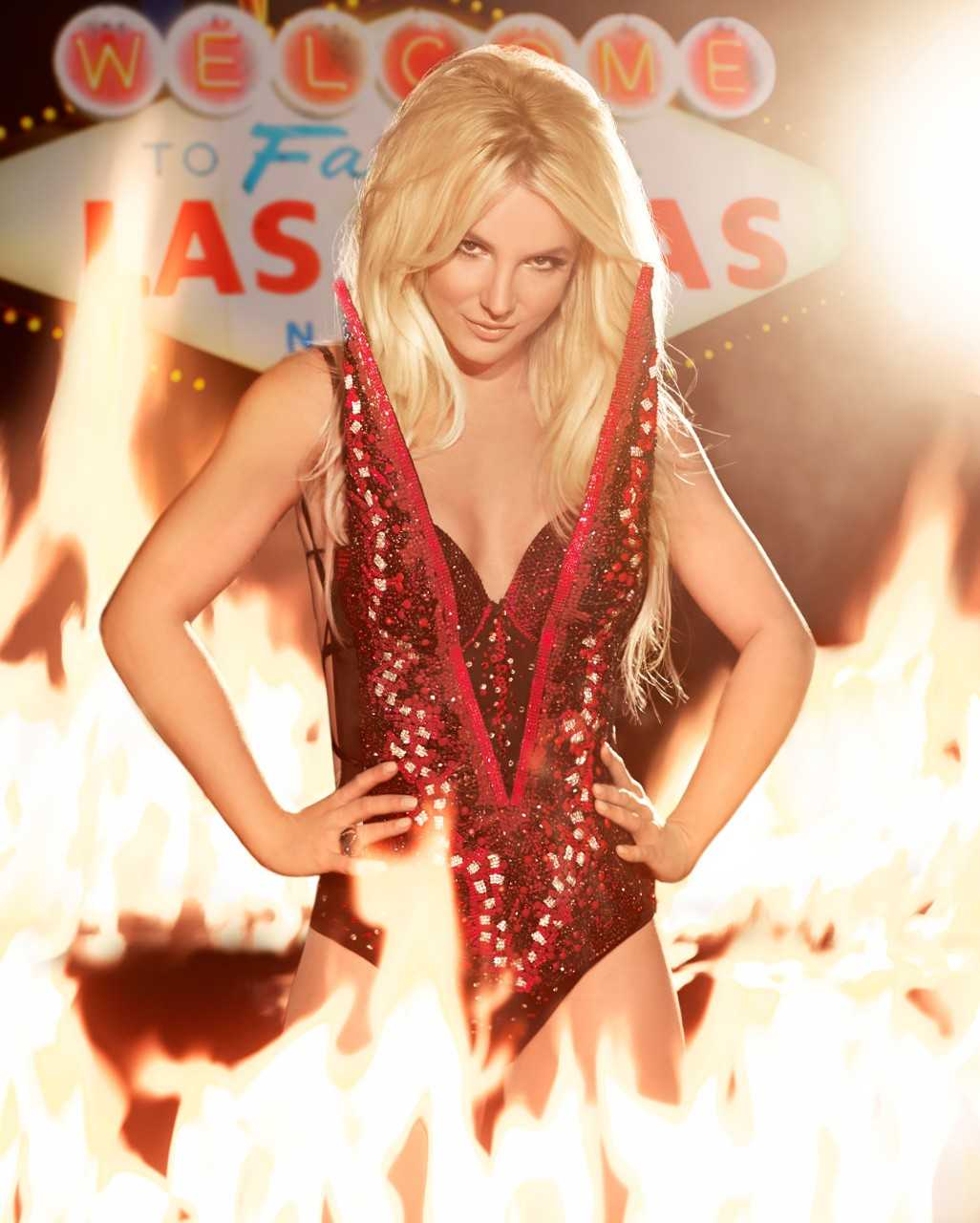 Britney Spears Sends Greeting Cards To Her Fans   Cards