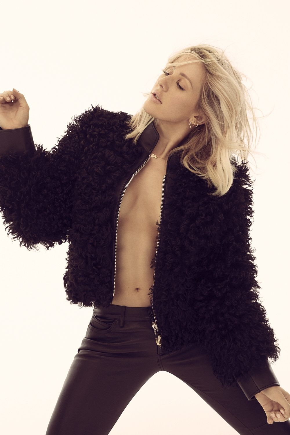 Ellie Goulding Strikes Gold With 'Delirium' | Delirium