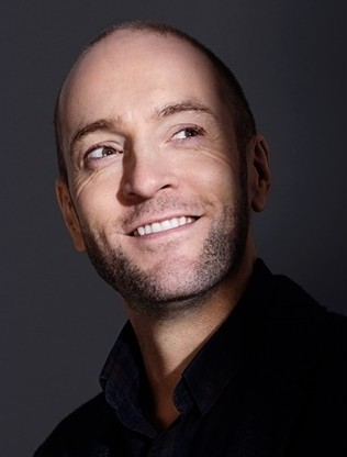 Live Review: Derren Brown Stuns Spectators With 'Miracle' | Derren Brown