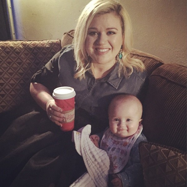 Kelly Clarkson And Her Daughter River Rose Show Their Bond In New Music Video | Kelly Clarkson