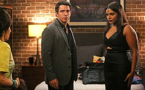 The Mindy Project: 04x11, The Castellanos And The Lahiris | Mindy