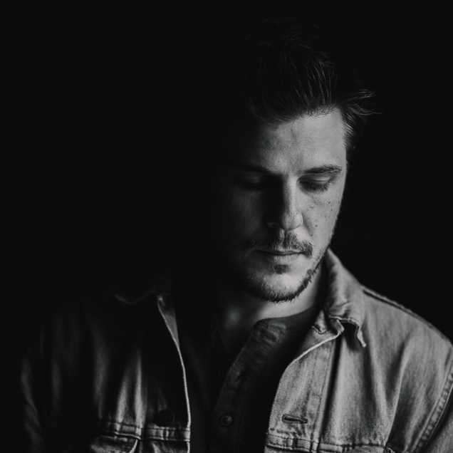 Exclusive: Tom Clay Premieres Video For Debut Single