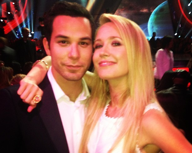Pitch Perfect's Anna Camp And Skylar Astin Are Engaged | Anna Camp