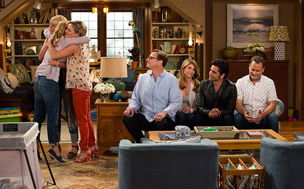 Netflix Drops Pics From The Fuller House Set | Fuller House