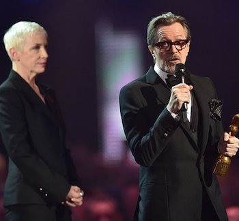 Gary Oldman And Annie Lennox Pay Tribute To David Bowie | Oldman