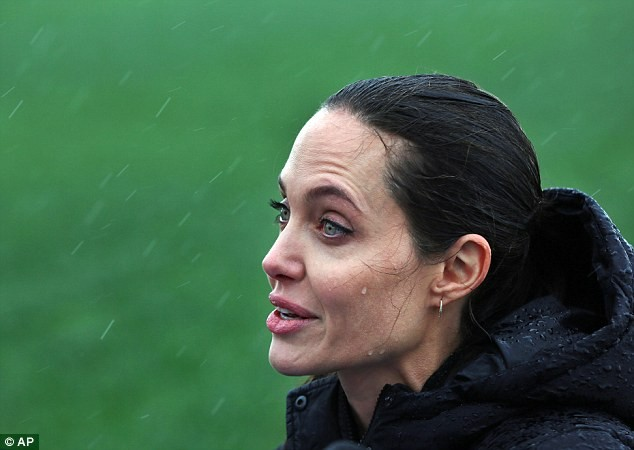 Angelina Jolie Visits Syrian Refugee Camp, Lambasts Lack Of Peaceful Resolution   Angelina Jolie