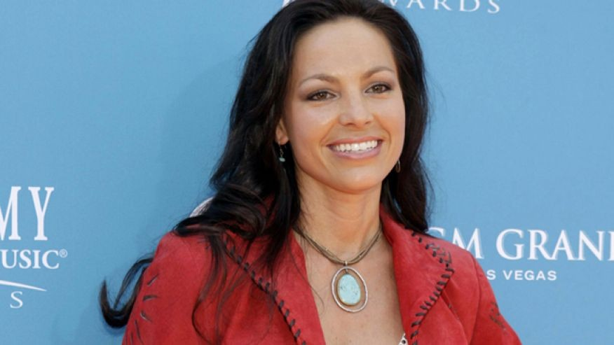 Joey Feek Rightfully Receives A Standing Ovation At ACM Awards | Joey feek