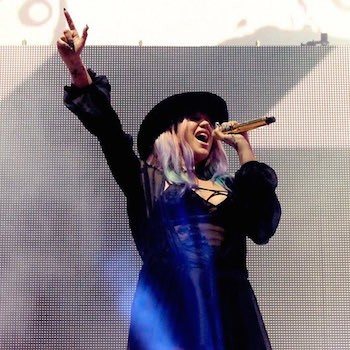 Kesha Rouses Coachella Crowd With Surprise Weekend Performance  | Kesha